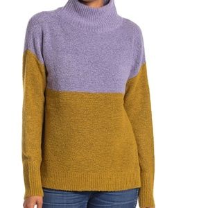 NWT susina Colorblock turtleneck soft sweater warm